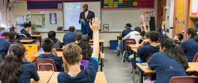 FBI Agent Talks to Students