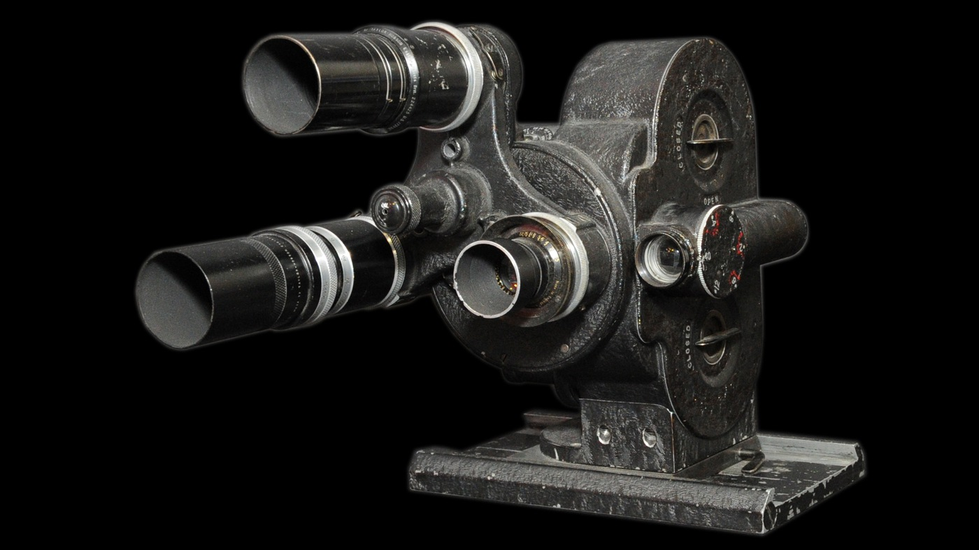 Photo of an Eyemo, a 35mm film camera used to conduct surveillance.