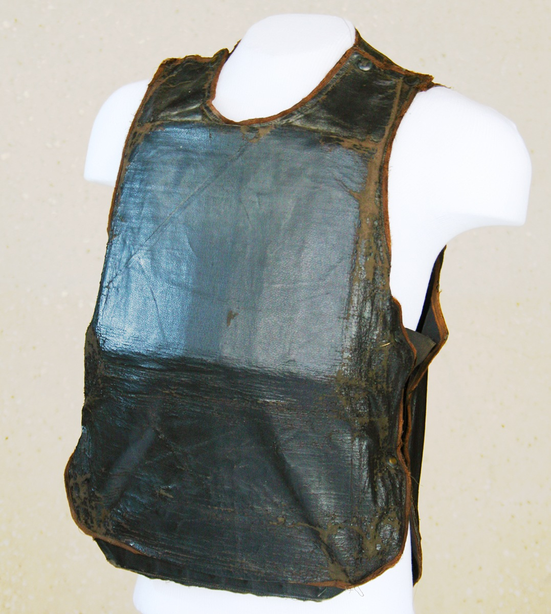 """Photo of body armor on a mannequin, used by notorious gangster """"Baby Face"""" Nelson."""