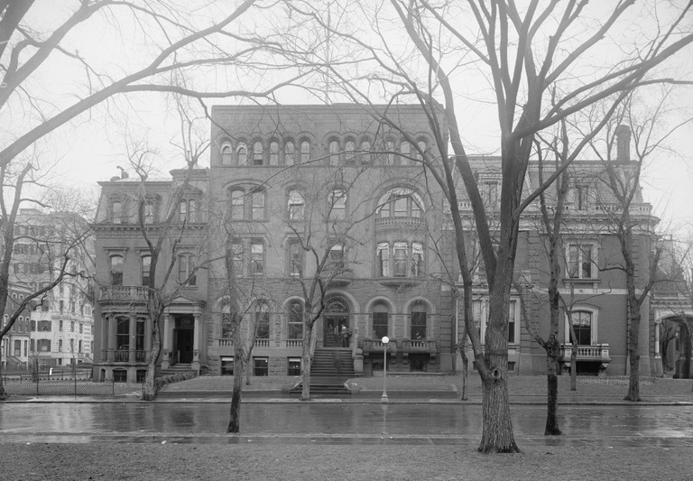 Black and white photo taken between 1914 and 1918 of the former Department Justice building at 1435 K St. NW in Washington, D.C. (Library of Congress photo)