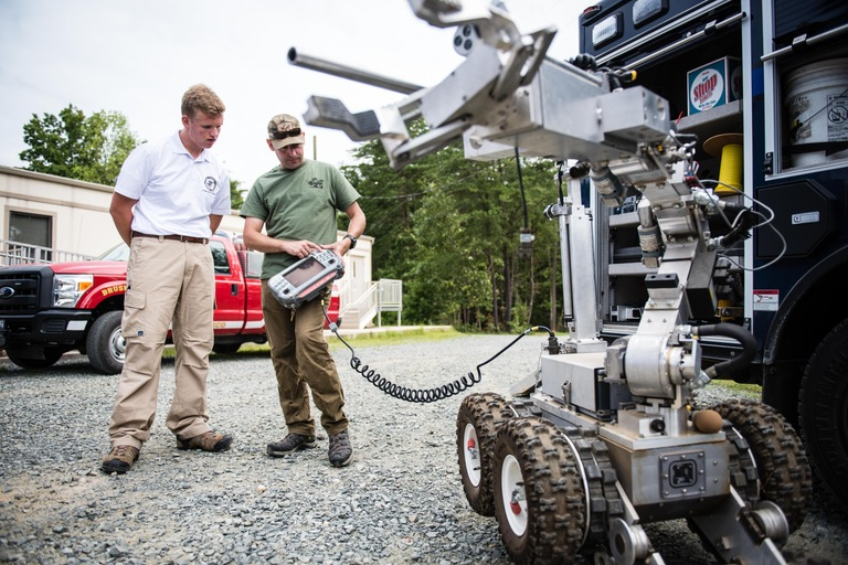 Future Agents in Training Participant with Bomb Disposal Robot