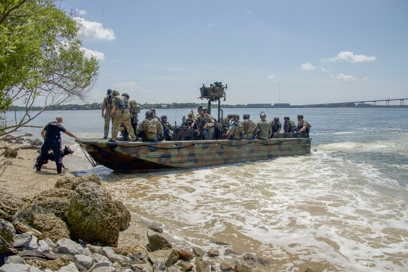 HRT Training: SWAT Team Boards Riverine Boat