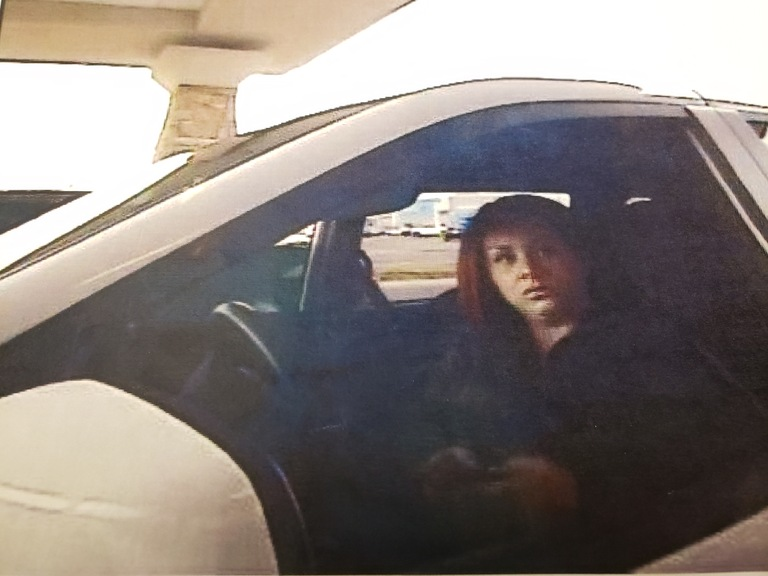 Knoxville Bank Fraudster Photo 3
