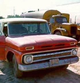 Leonard Peltieras Truck, Photo 3 of 4
