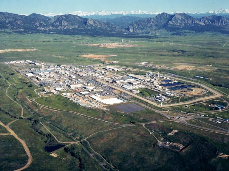 In 1989, the FBI—along with the Environmental Protection Agency and several state agencies—investigated multiple corruption and environmental allegations at the Rocky Flats nuclear weapons plant (above) just outside Denver.