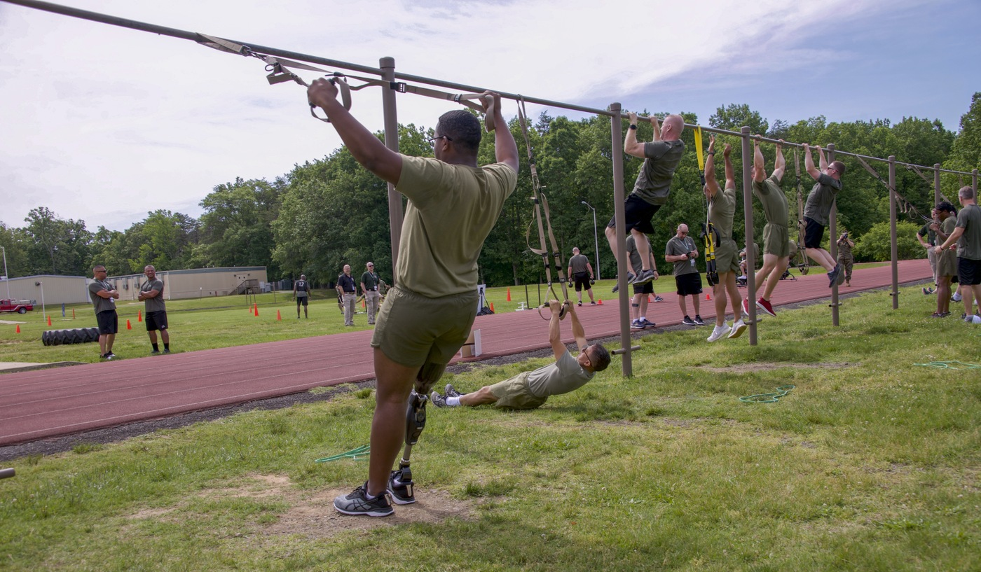 Wounded Warrior Regiment Event: Pull-Ups