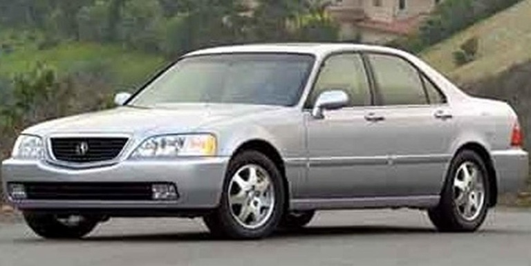 Vehicle Similar to Trader's Silver Acura RL
